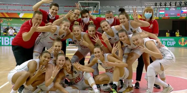 Végig vezetve győzte le Csehországot, elődöntős női válogatottunk az U19-es világbajnokságon