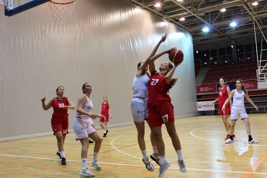 Egyetemi bajnokság, nők: Menetel a Győr, a Szombathely és a Közgáz