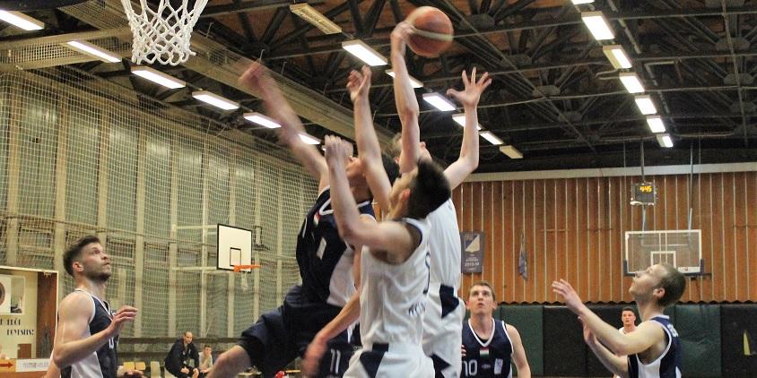 Egyetemi bajnokság, férfiak: Miskolcon és Debrecenben egyaránt három pont döntött