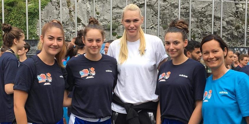 Magyar edző és játékos a Women's Summit legjobbjai között