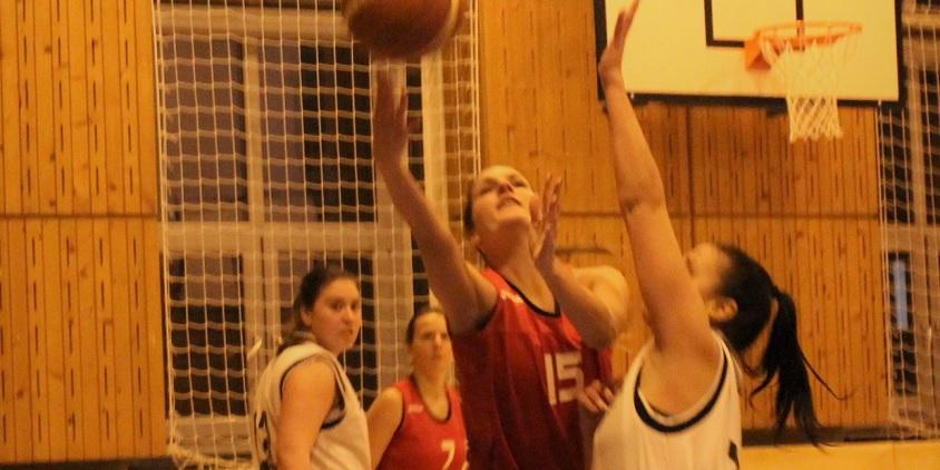 Egyetemi bajnokság, nők: Papírforma-forduló a hölgyeknél