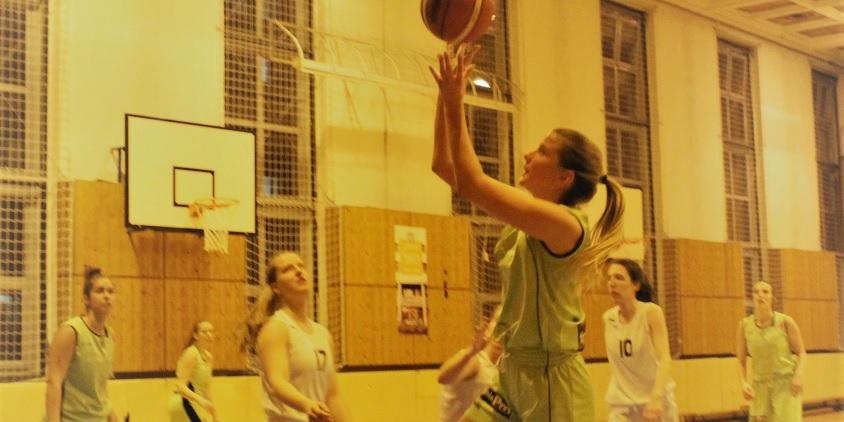 Egyetemi bajnokság, nők: Fölényes Közgáz-siker a nyugati csoportdöntőn