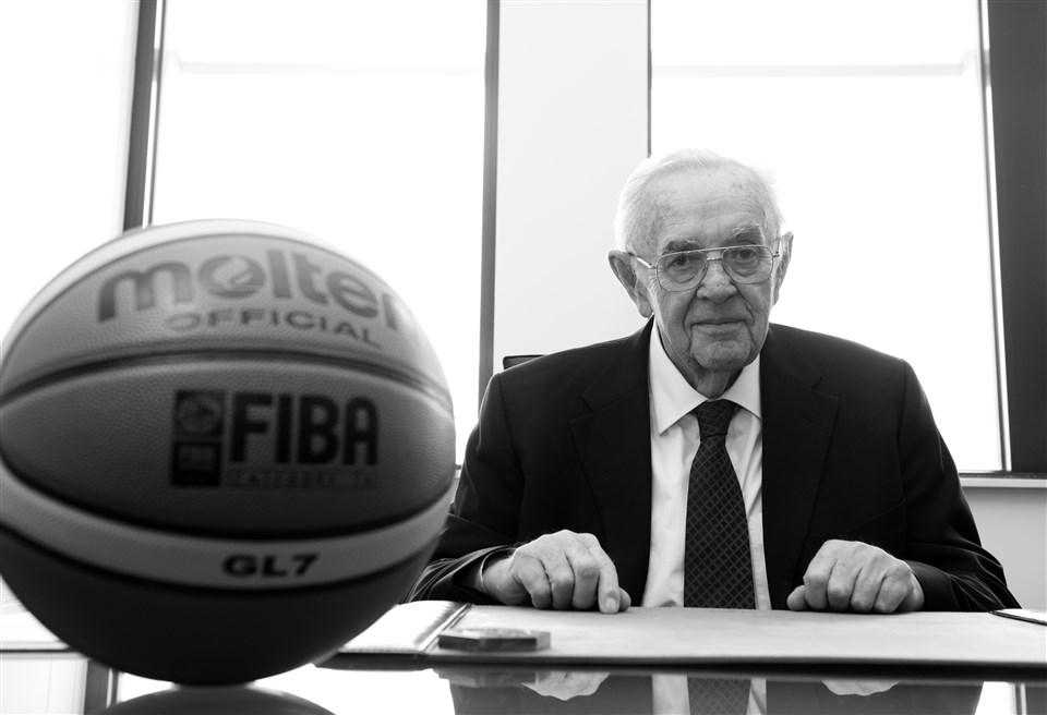 Boriszlav (Bora) Sztankovics - Játékos, edző, a FIBA korábbi főtitkára