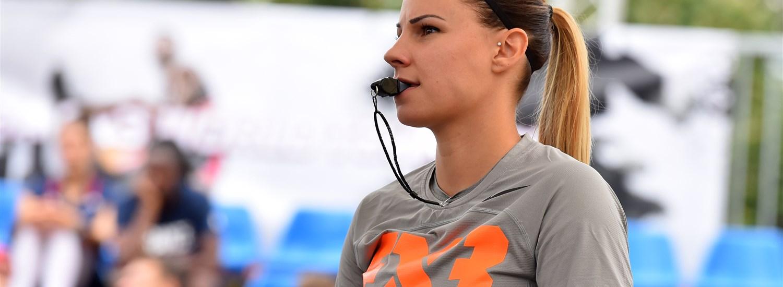 Hogyan lett Tóth Cecília az első női játékvezető a FIBA 3x3 Európa-bajnokság férfi döntőjében