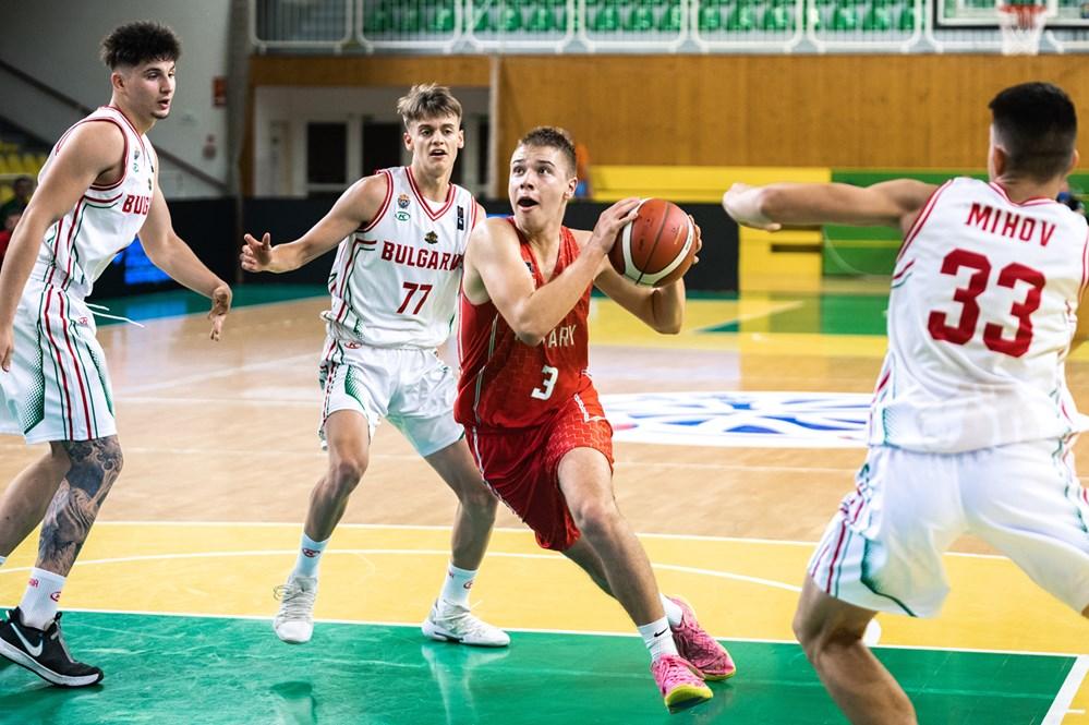 Vereséggel kezdett Léván U18-as fiú válogatottunk